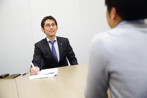 弁護士インタビュー